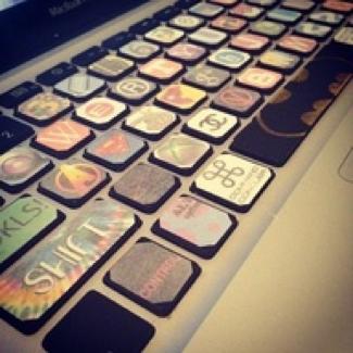 iPad2用Bluetoothキーボード便利グッズ