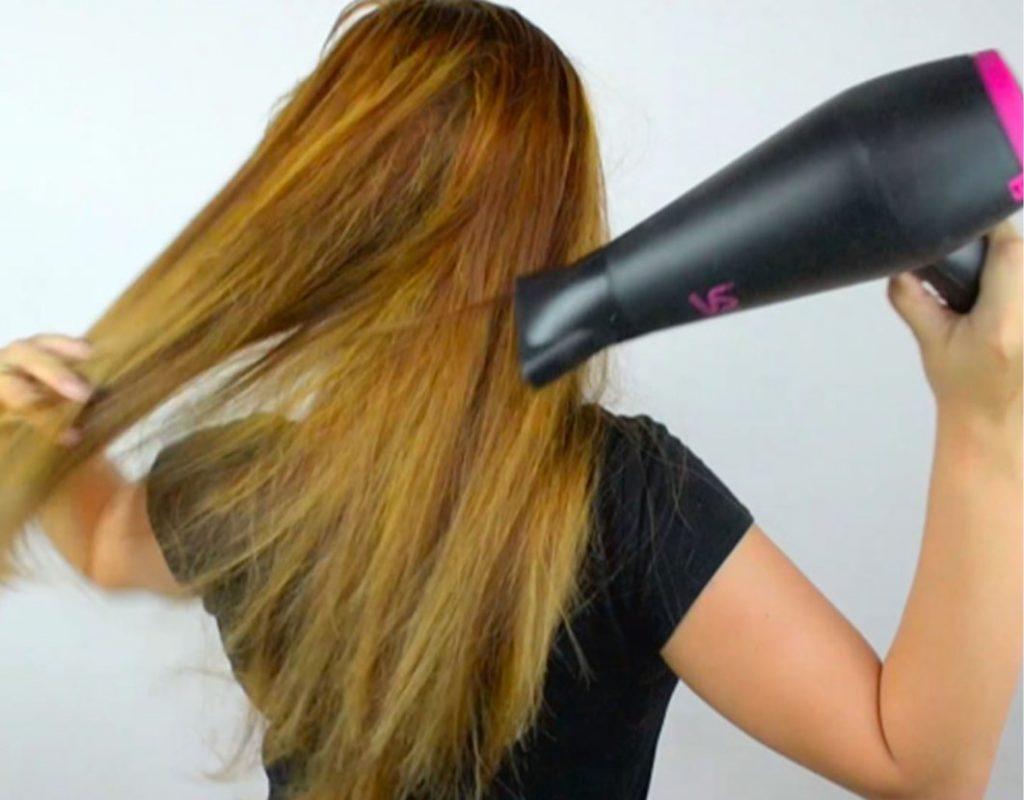 【髪の悩み解消方法】モワッと広がるうねる、くせ毛